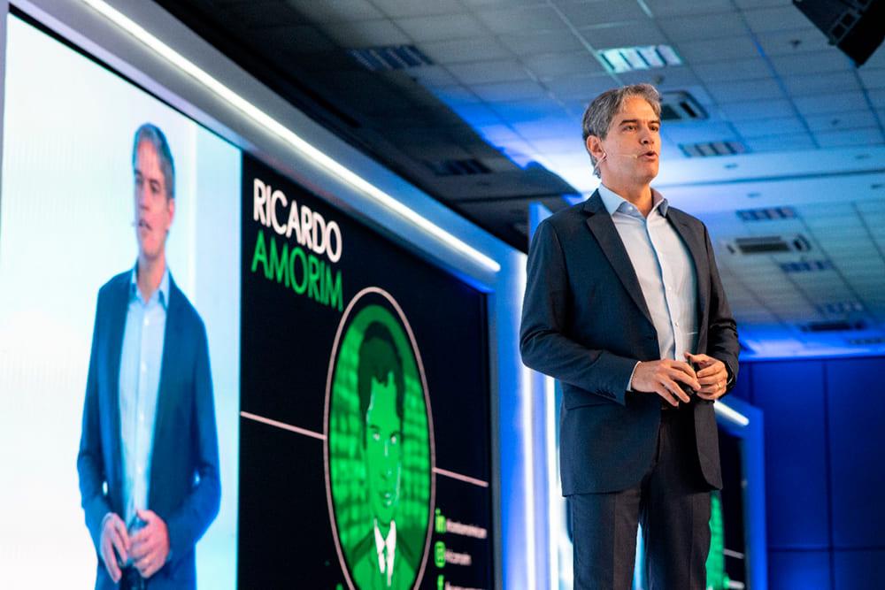 Ricardo Amorim palestrante no 2º Super Fórum